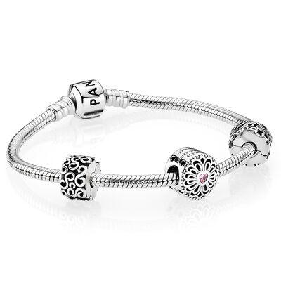 LOVE & FRIENDSHIP BRACELET GIFT SET